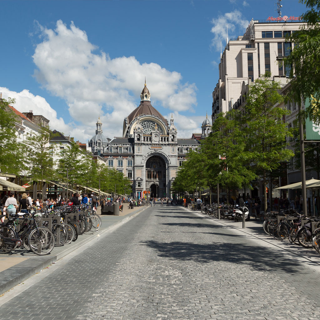 Want to rent a studio flat in the centre of Antwerp?